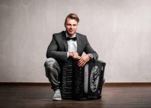 """WKS 2020: """"Crossover-Akkordeon"""" - Matthias Matzke @ Evangelisches Gemeindehaus Waldhausen"""